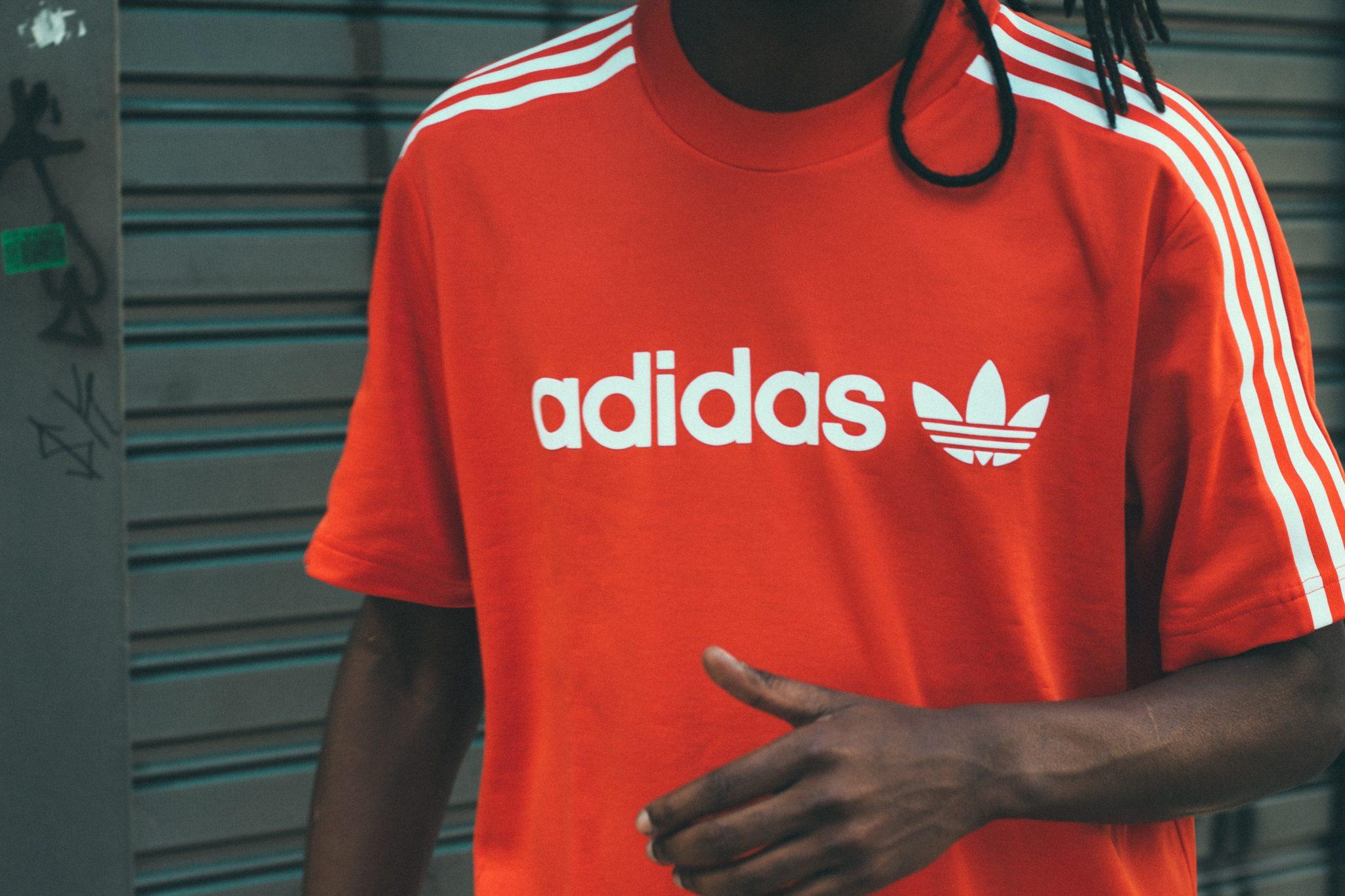 Adidas bedankt loyale klanten